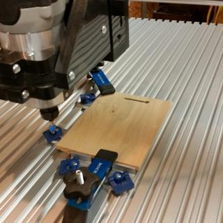 Making keyhole slots for plaques