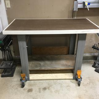 upgraded work bench no doubles as an out feed table