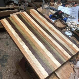 Edge grain cutting board.