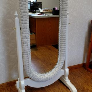 The brass swivel screws where a nice touch to white finish of this hand crafted swivel mirror stand.