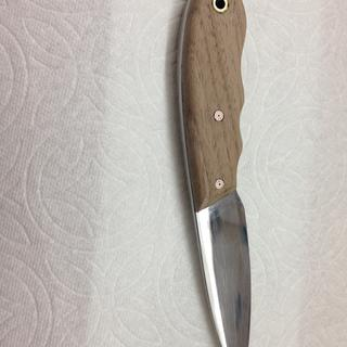Custom made stainless steel blade with a walnut handle.....
