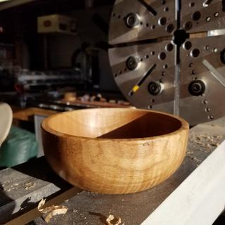 My first bowl, my first turn, a few hours after unboxing the lathe.