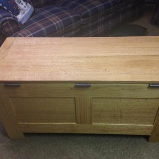 Blanket Chest - Quarter-sawn Red Oak