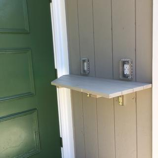 Exterior shelf in extreme weather in New England