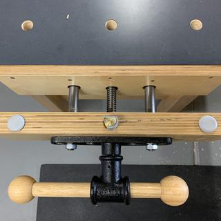 Excellent vise, works great on my assembly bench.