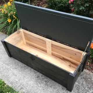 Bench with a set of these lid stays.
