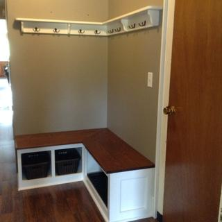 This is a corner bench and coat rack that I just built and finished using the Earlex 5500.