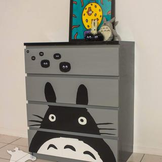 Top, sides, Totoro, and soot sprites painted in GF Lamp Black. Sealed with Arm-R-Seal.