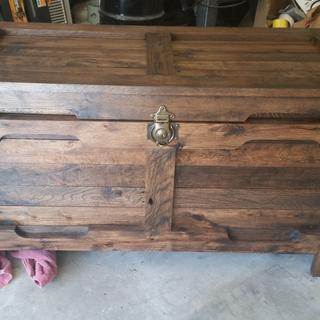 Hope chest from pallet wood.