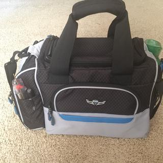 This bag has just enough room for the essentials as a student pilot.
