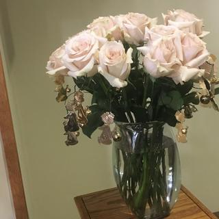 I purchased these angles to put around each rose for a grandchildren bouquet for my mothers funeral.