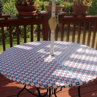 Rable Cover on Redwood Deck Table
