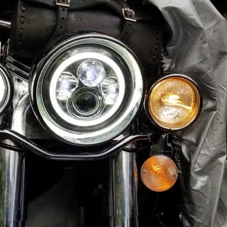 Shows difference with new and old passing lights.
