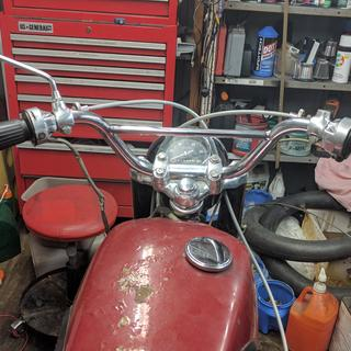 '66 honda scrambler.. these bars are great retro look!!!