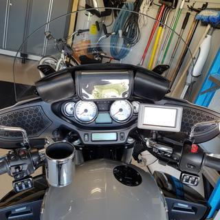 Hopnel Tri Pouch Installed on 2014 Victory CCT