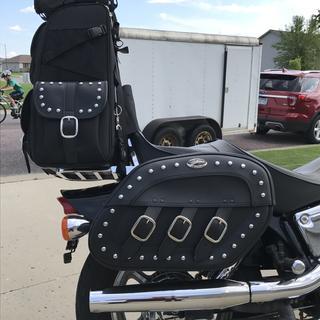 1996 Honda VT1100C with Saddlemen Disparado rigid saddle bags and Sissy bar bag