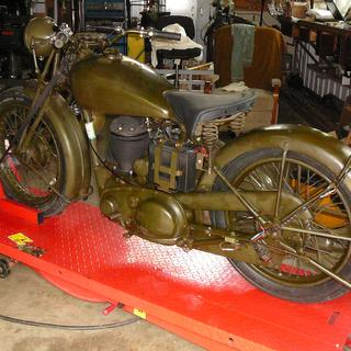 1940 BSA M20 with Metzeler tires