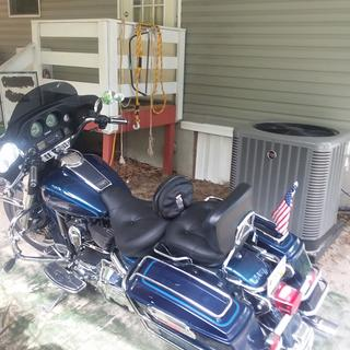 1999 Electra glide with new mustang seat