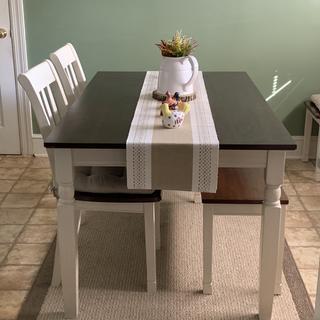 Beautiful sturdy dining set.
