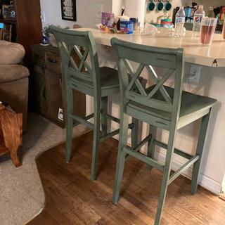 Beautiful bar stools, love the color!