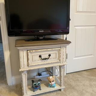 We use this stand in my daughters room as a TV stand. We paired it with the matching Raelyn daybed.