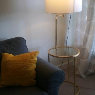 The table lamp goes perfectly in the living room! Matches nicely  with the decor.
