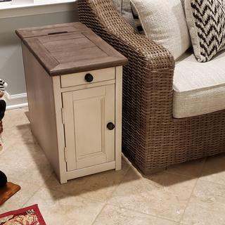 Small cabinet with shelf and also a pull out to put drinks