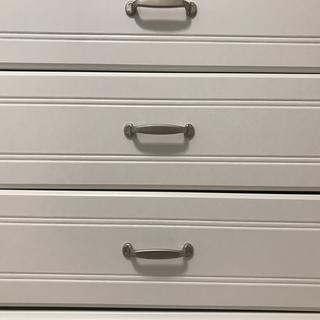 You can see In this photo,  the drawers aren't perfectly level.