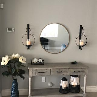 Love the look of this console table. Good quality. We are happy about this purchase.