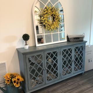 I absolutely love this piece! It's very sturdy and fits perfectly with my farmhouse style!