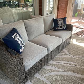 Love the sofa. Beautiful and classy!