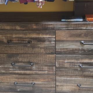 Nice big drawers!