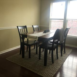 Dining Set with 5x7 rug