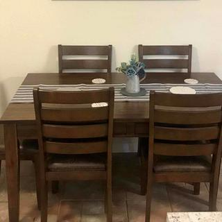Royard Dining Table and 4 Chairs