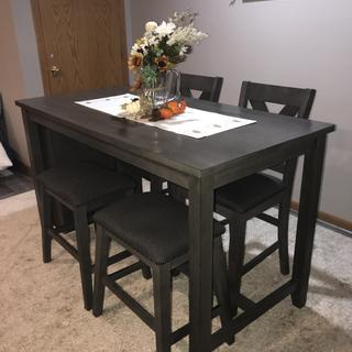 Caitbrook Dining Set