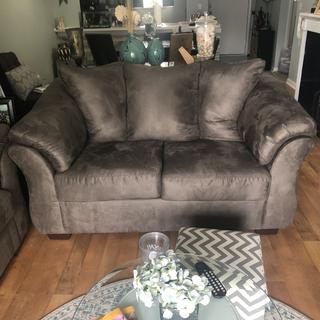 Love my Darcy Loveseat!! I already had the Darcy sofa but needed a little more seating! Perfect!!