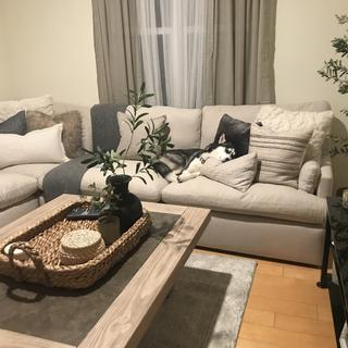 This coffee table is so pretty and it's really big! Love it! Highly recommend it!