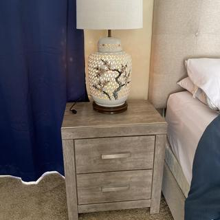 Love this nightstands! Great experience!