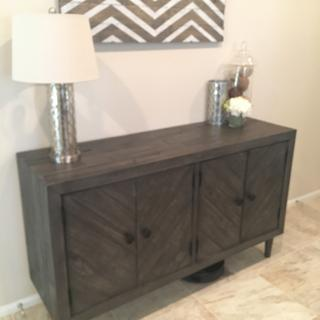 Awesome entry/buffet/console table! Very easy to out together.