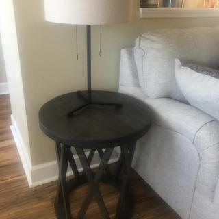 Very nice end table. Simple and well made.