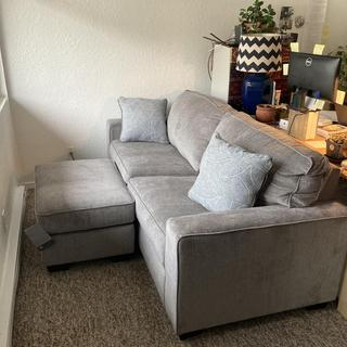 Great way to make an adjustable L-shaped couch!