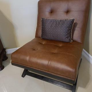 Beautiful chair. I LOVE IT!
