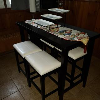 Kimonte Dining Table set.