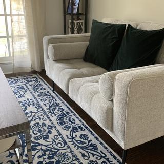 Great little sitting room sofa.