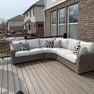 Beautiful piece of outdoor furniture! I absolutely love this sectional!