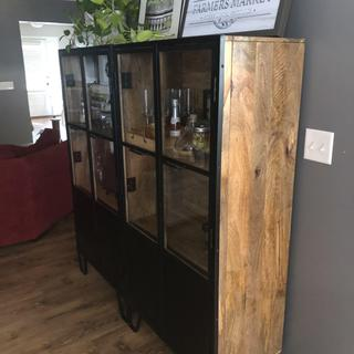 The bottom cabinet is not visible so they also provide great storage option.