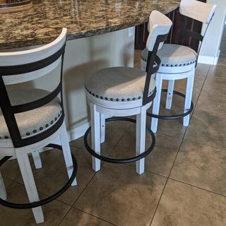 Love these farmhouse chic stools.