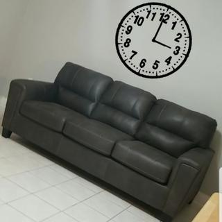 ABSOLUTELY LOVE THIS COUCH!! Great Quality!! Love the Color & Fabric!! Very Comfortable!!
