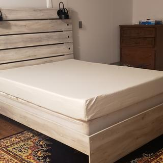 Sturdy, easy to assemble and cute ! Low profile bed