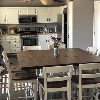 8 piece table and chairs